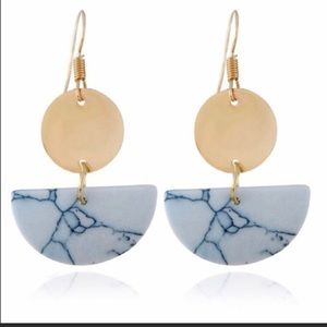 NWT White and Gold Marble Dangle Earrings